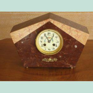 Roof type pendulum clock